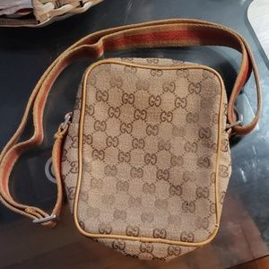 Faux vintage Gucci crossover
